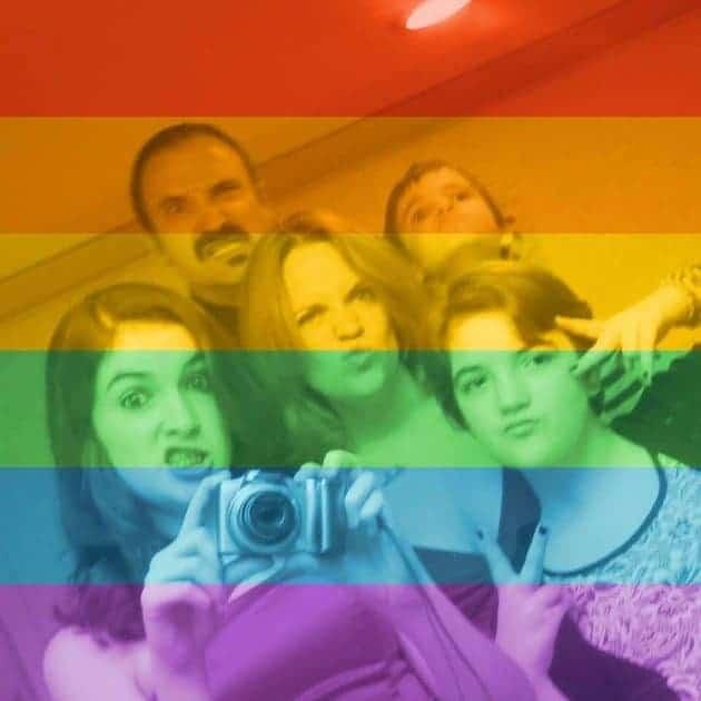 Familia DeLong Respuesta Grafiti Hom%C3%B3fobo 2, Hay una lesbiana en mi sopa