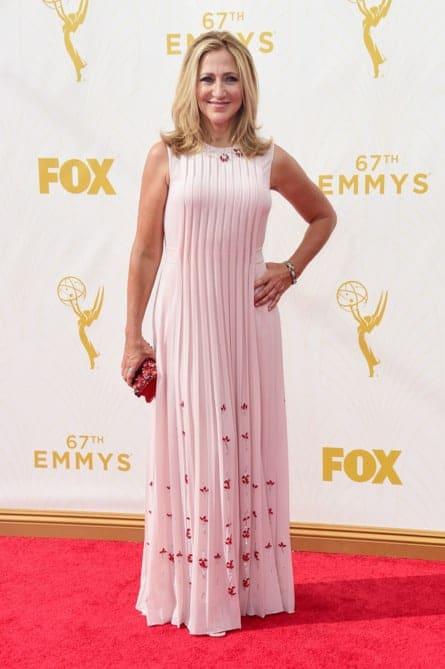 edie falco - La increíble alfombra roja de los Emmys 2015