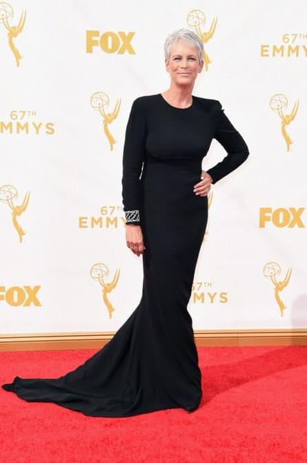 jamie lee curtis - La increíble alfombra roja de los Emmys 2015
