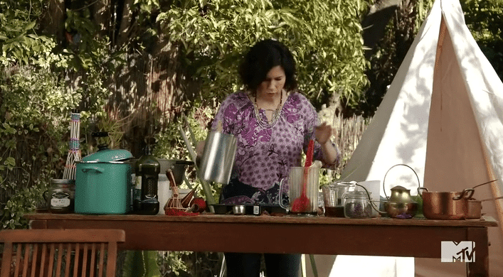 madre-karma-sopa 'Faking it' recap (2×12): ¡Venganza!