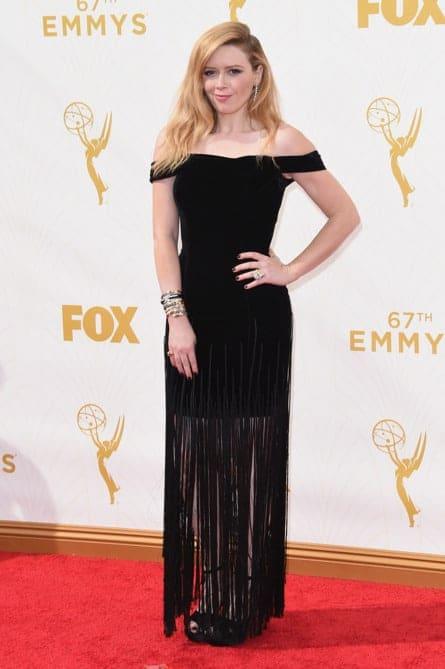 natasha lyonne - La increíble alfombra roja de los Emmys 2015