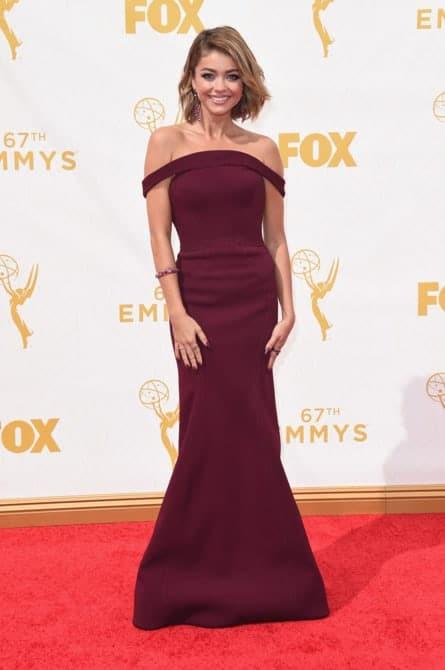 sarah hyland - La increíble alfombra roja de los Emmys 2015