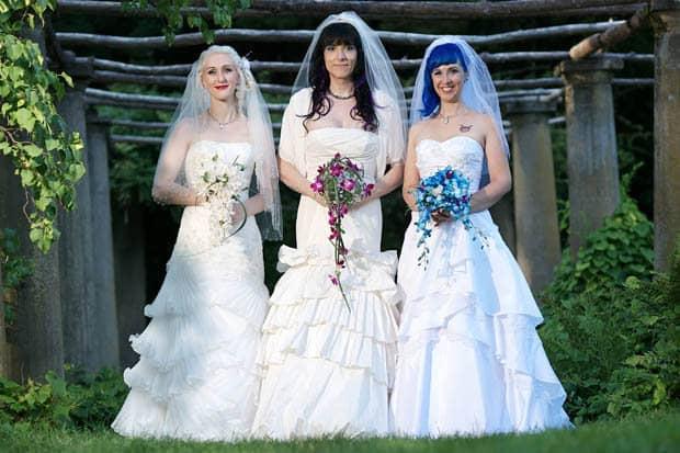 Matrimonio Simbolico En Brasil : El matrimonio poliafectivo de tres mujeres enciende la