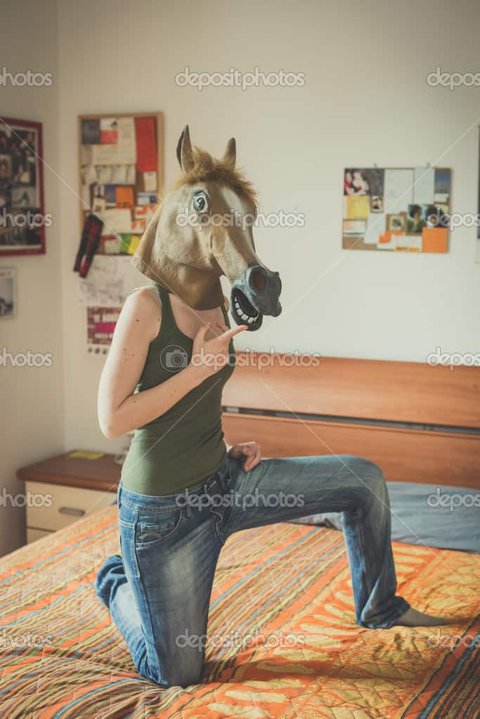 mask-horse-lesbian-woman (1)