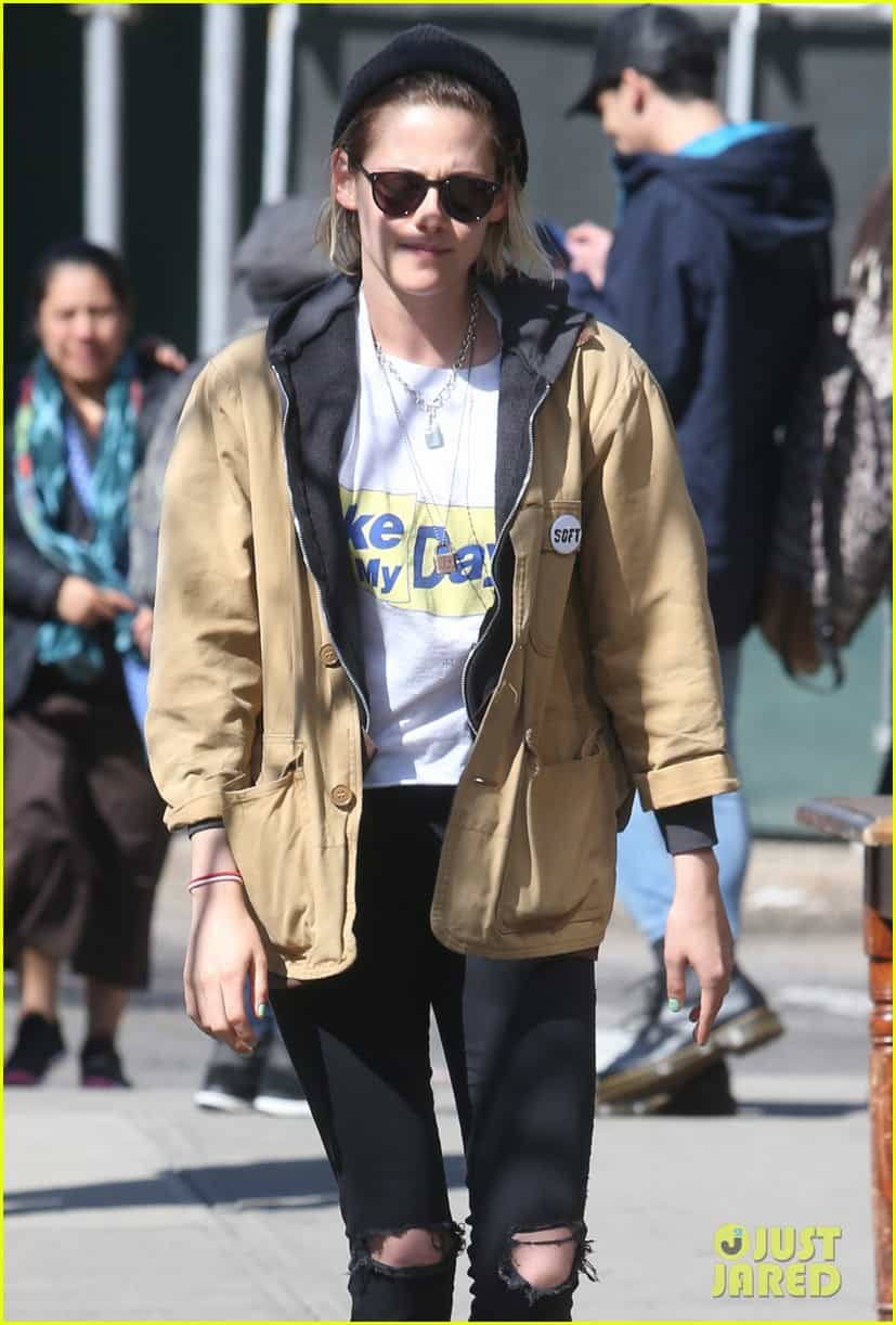 Kristen Stewart Soko Hold Each Other Close In Nyc 02, Hay una lesbiana en mi sopa