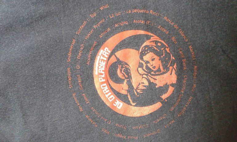 Detalle Camiseta Deotroplaneta, Hay una lesbiana en mi sopa