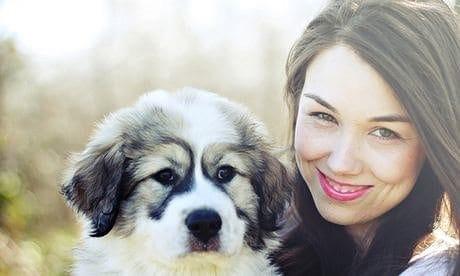 Tess Sharpe And Her Dog 009, Hay una lesbiana en mi sopa