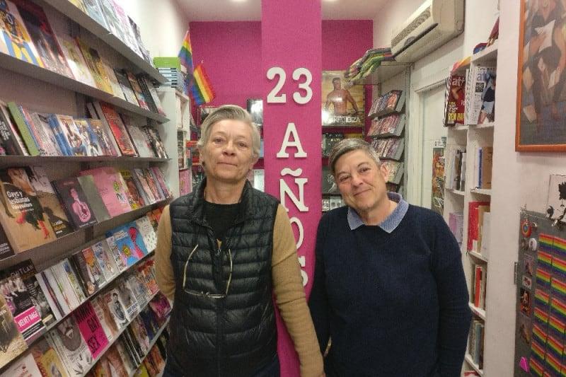 berkana - 'Heavy Vinyl', trabajadoras de una tienda de discos de día, escuadrón contra el crimen de noche