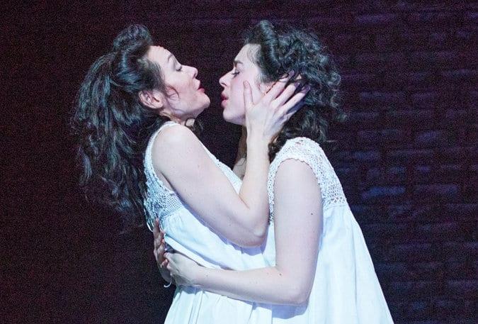 'Indecent', una obra sobre una obra censurada por un beso lésbico