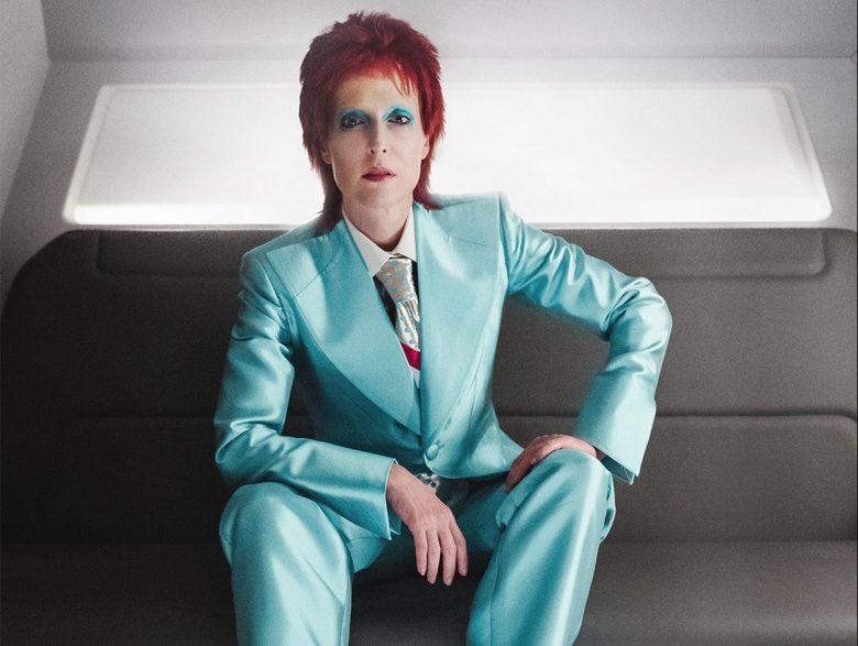 David Bowie Gillian Anderson, Hay una lesbiana en mi sopa