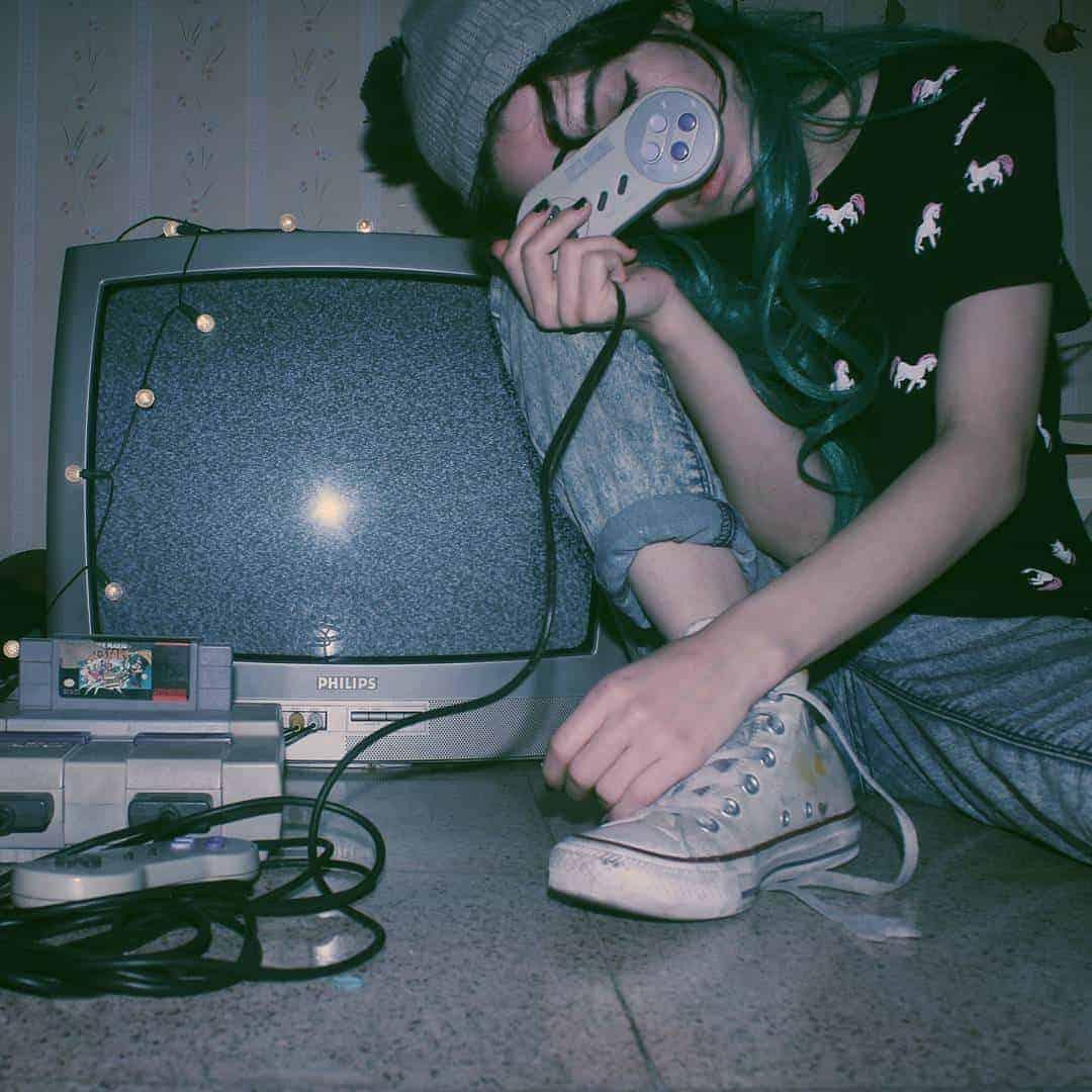 gamer girl 2 - ¿Qué auriculares gaming elegir?