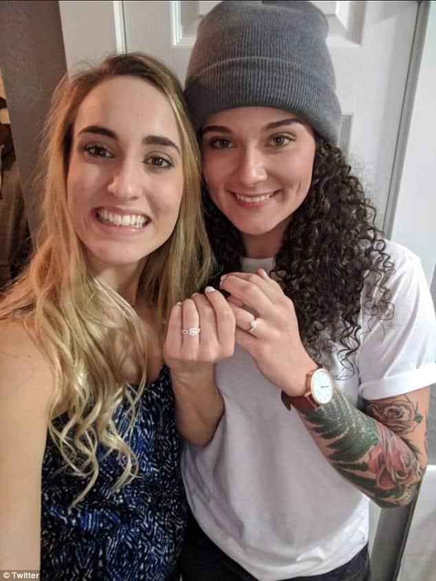 Proposal Lesbian, Hay una lesbiana en mi sopa