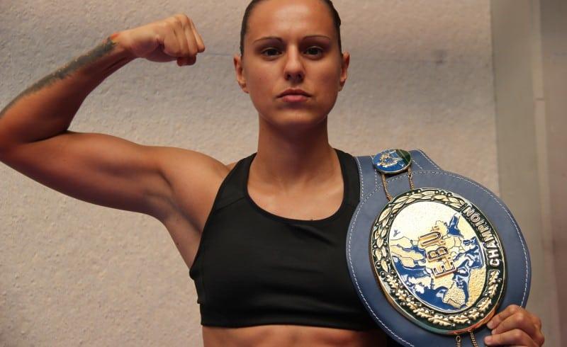 Joana Pastrana - El GRL PWR de la boxeadora Joana Pastrana