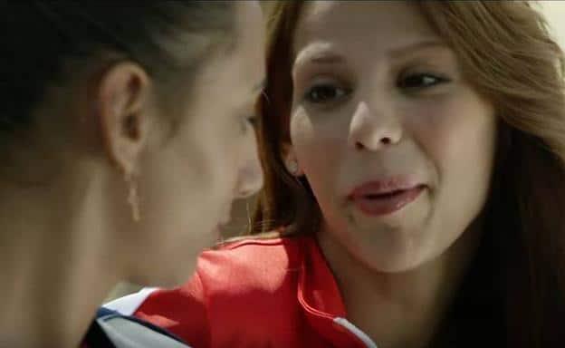 """camrn y lola pelicula - Arantxa Echevarría, cineasta: """"Las lesbianas gitanas viven en una caja fuerte"""""""