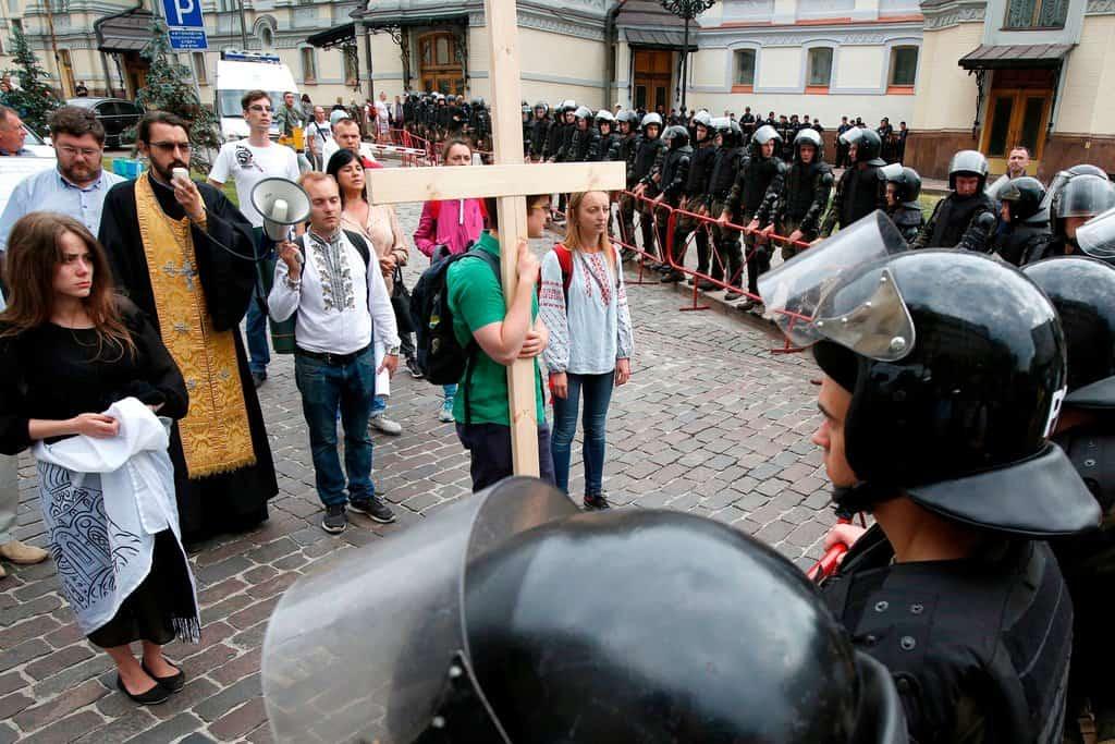 Las fotos de la marcha de Kiev por el Orgullo a pesar de los ultras 3 - Las fotos de la marcha de Kiev por el Orgullo, a pesar de los ultras