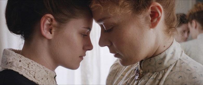 lizzie primer plano - Kristen Stewart y Chloë Sevigny croquetean en 'Lizzie'
