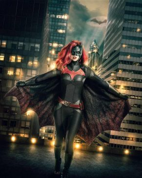 Batwoman Elseworlds Arrowverse Ruby Rose First Look 1138082 291x364, Hay una lesbiana en mi sopa