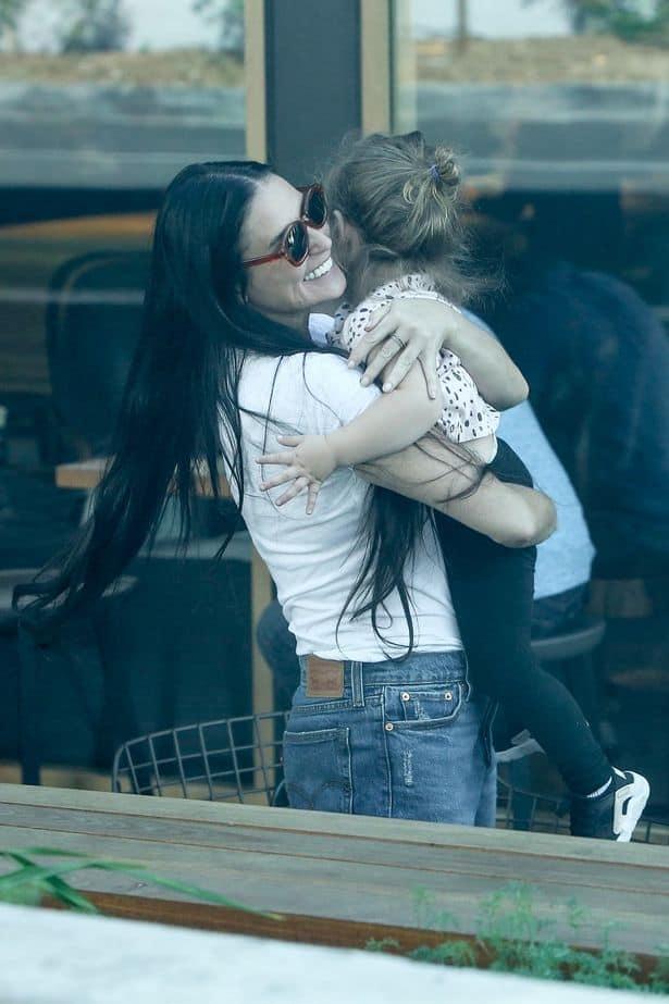 demi novia 3 - Demi Moore, su nueva novia y la hija que ambas están criando