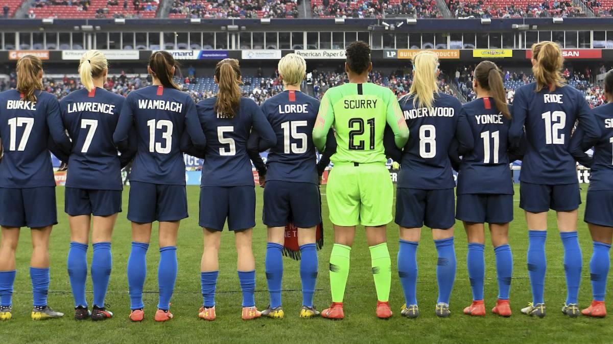 selección futbol usa - La selección de Estados Unidos cambia sus nombres en las camisetas por los de iconos LGBT