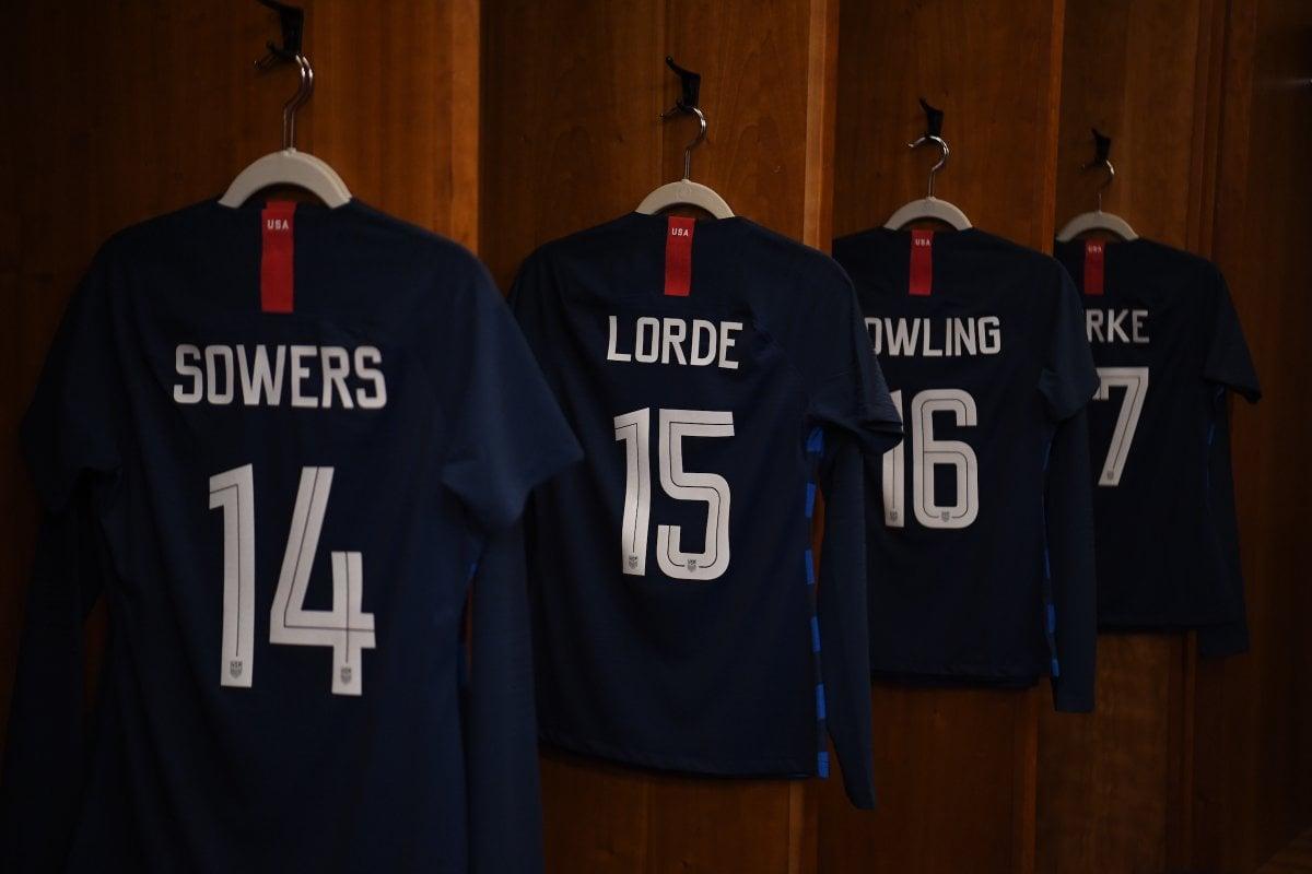 us women - La selección de Estados Unidos cambia sus nombres en las camisetas por los de iconos LGBT