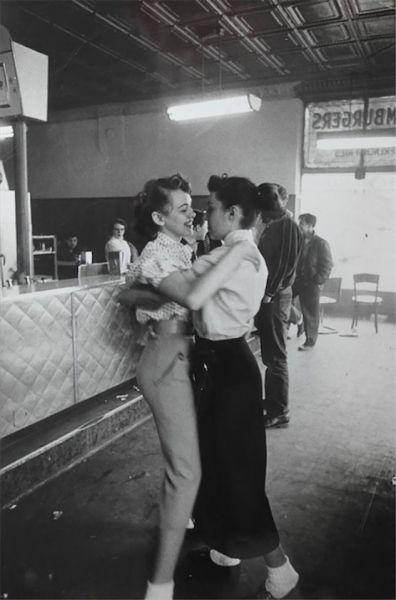 Lesbian Vintage 18, Hay una lesbiana en mi sopa